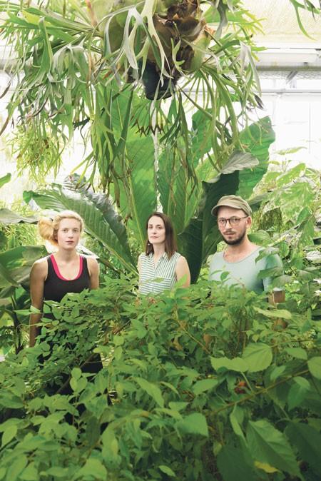 Das junge Kuratoren-Trio geht neue Wege (v. l.):  Jaana Caspary, Charlotte Perrin und Jonas Hohnke